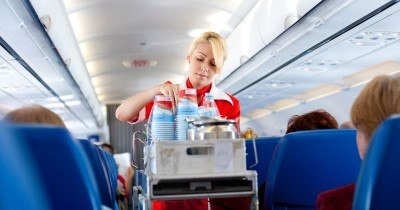 secrets-your-flight-attendants-wont-tell-you-5-custom